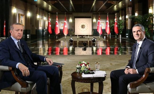 Cumhurbaşkanı Erdoğan: Niye biz gencimize güvenmiyoruz?