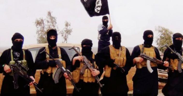 DEAŞ'lı teröristler Musul'da 20 sivili öldürdü