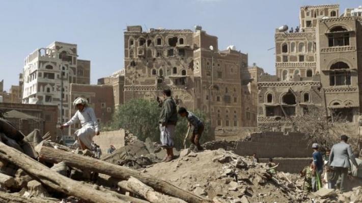 Yemen İçişleri Bakan Yardımcısının aracına silahlı saldırı