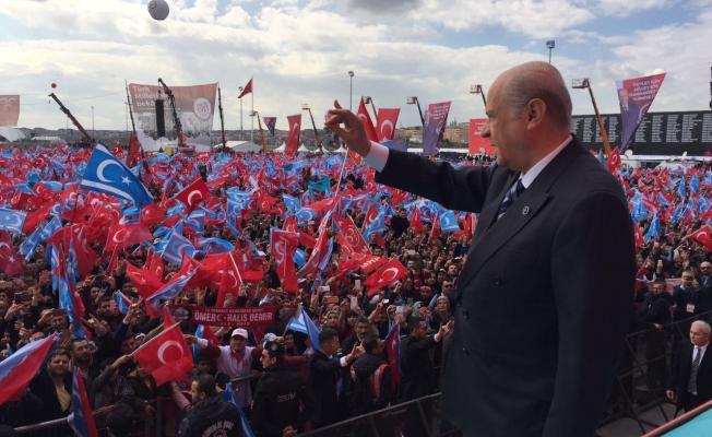 Bahçeli: Evet tek milletiz, adımız Türk milletidir