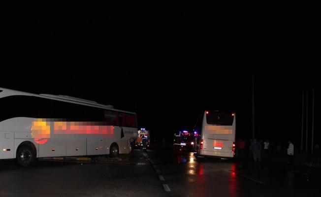 Aynı firmaya ait iki otobüs kaza yaptı: 40 yaralı