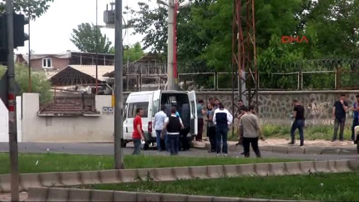 Diyarbakır'da Askeri Üsse Giren Aracın Altında Patlayıcı Düzeneği Bulundu