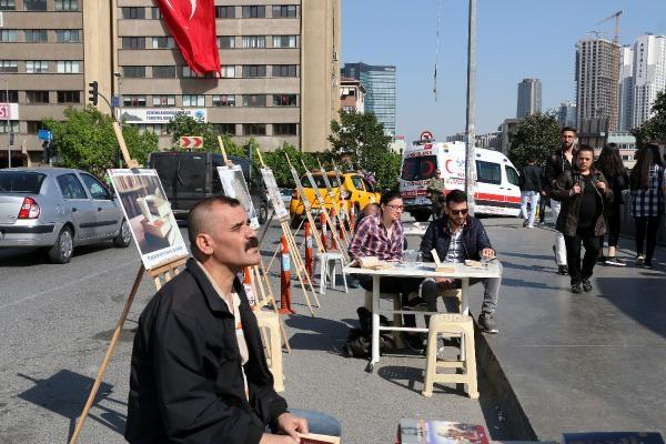 MHP'liler kitabı sevdirmek için seyyar kütüphane kurdular