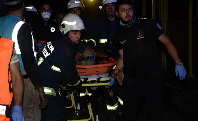 Madende mahsur kalan iki işçinin cesetlerine ulaşıldı