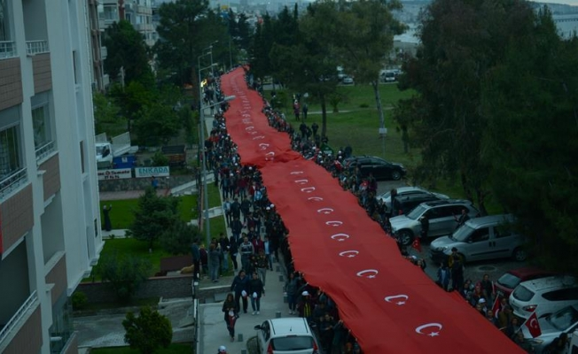 Samsun'da 1919 metre Türk bayrağı açıldı
