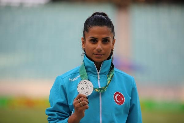 Türkiye, atletizmde günü 8 madalya ile tamamladı
