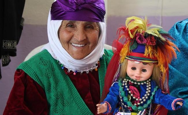 Türkmen kıyafetleri 'Fatiş' bebekle yaşatılıyor