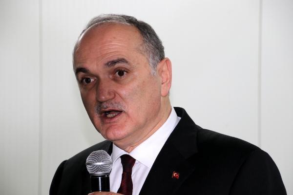 Özlü: Manipülasyonlara rağmen Türkiye yabancı sermaye çekecek