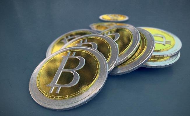 Bitcoin'li aramalar bir yılda yüzde bin 460 arttı