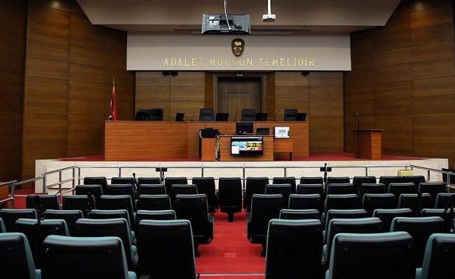 Mahkeme başkanından 'O gece kimse uyumadı sen uyudun öyle mi?' tepkisi