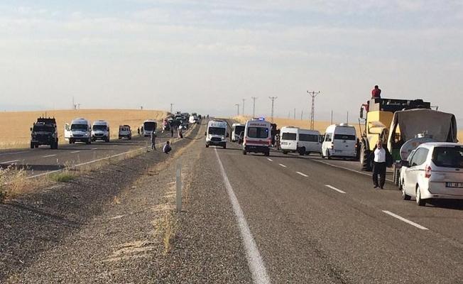 Polisleri taşıyan midibüsle yolcu minibüsü çarpıştı: 2 ölü, 18 yaralı