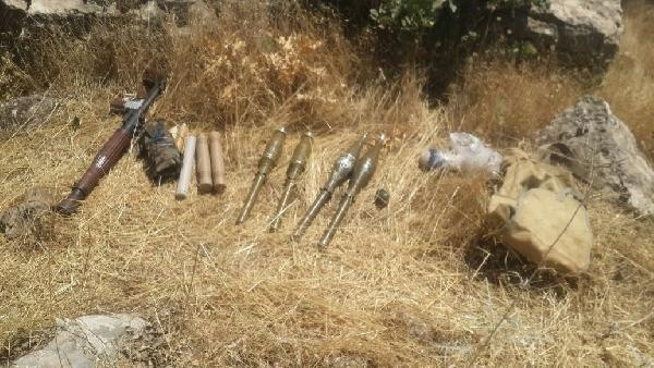 Şemdinli'de ölü ele geçirilen PKK'lı teröristle birlikte AT-4 tanksavar ele geçirildi