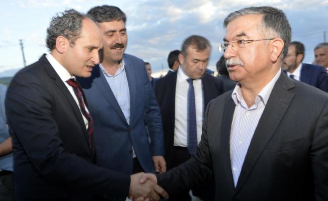 """""""Türkiye barış adası olmayı sürdürecek"""""""