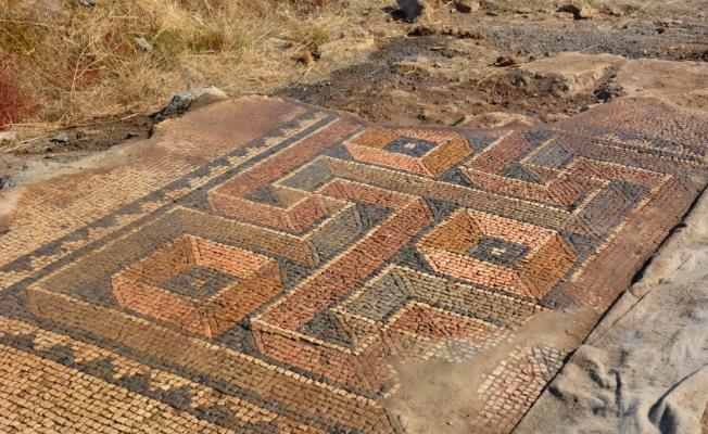 """2 bin yıllık çömlek ve mozaiklerde """"ANT"""" damgası"""