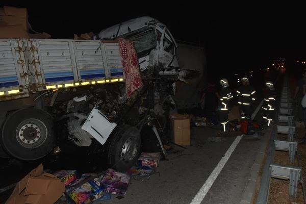 Alkollü sürücü zincirleme kazaya neden oldu; 1 ölü, 4 yaralı