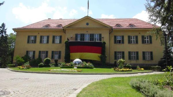 Almanya Büyükelçiliğine icra takibi