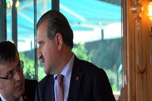 Bakan Bak, basın toplantısı sırasında arayan Cumhurbaşkanı ile görüştü