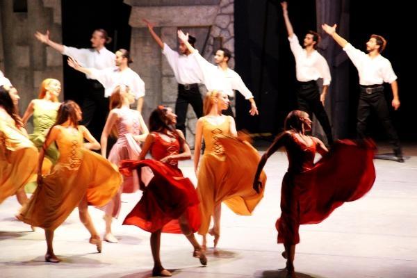 Bodrum Uluslararası Bale Festivali 'Zorba' ile başladı