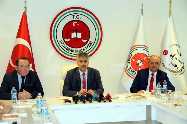 Diyarbakır Başsavcısı Güre: FETÖ/PDY'ye büyük darbe vuruldu ama vazgeçmiyorlar
