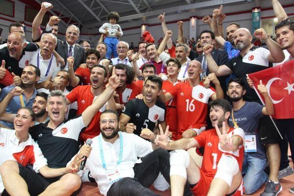 İşitme Engelliler Olimpiyatı'nda Ukrayna'yı 3-0 yenen Türkiye, şampiyon oldu