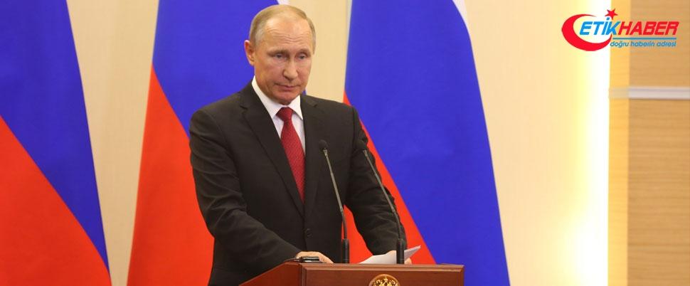 Putin başkanlık için adaylığını resmen ilan etti