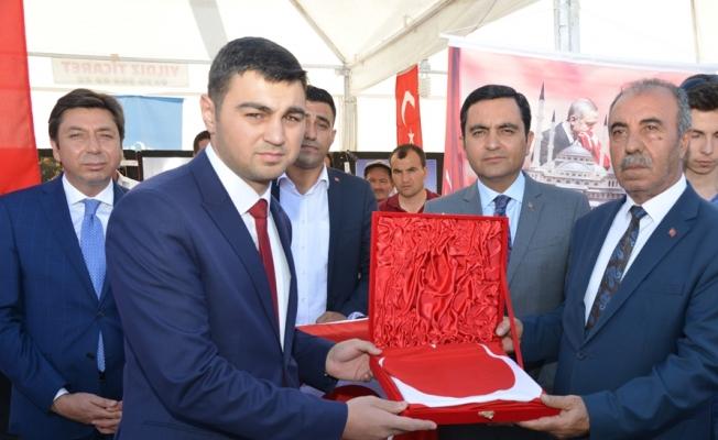 Şehit ailelerinden Cumhurbaşkanı Erdoğan'a Türk bayrağı