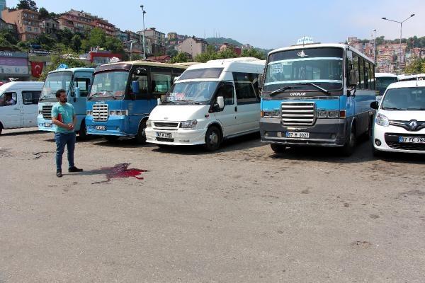 Zonguldak'ta dolmuş şoförleri kavga etti: 3 yaralı