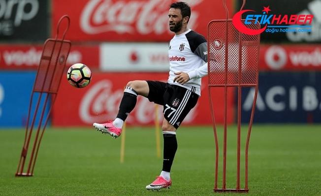 Beşiktaş'ta Gökhan Gönül ameliyat edildi