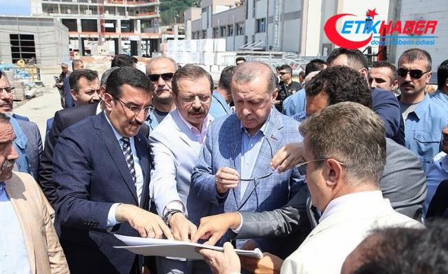 Cumhurbaşkanı Erdoğan, Sarp Gümrük Kapısı'nda incelemelerde bulundu
