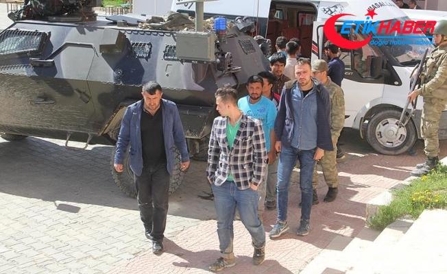 Türkiye'ye yasa dışı girmeye çalışan 975 kişi yakalandı