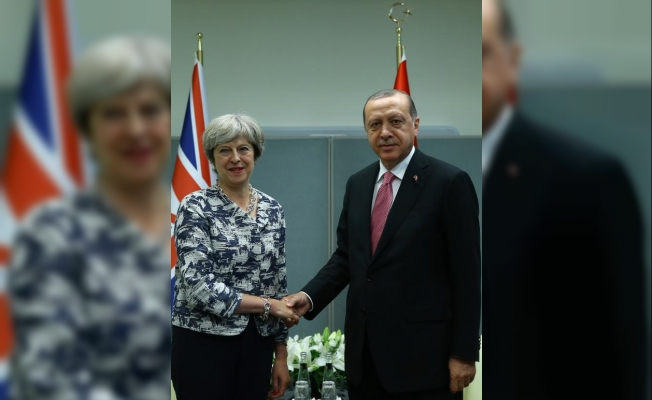 Cumhurbaşkanı Erdoğan İngiltere Başbakanı May ile görüştü