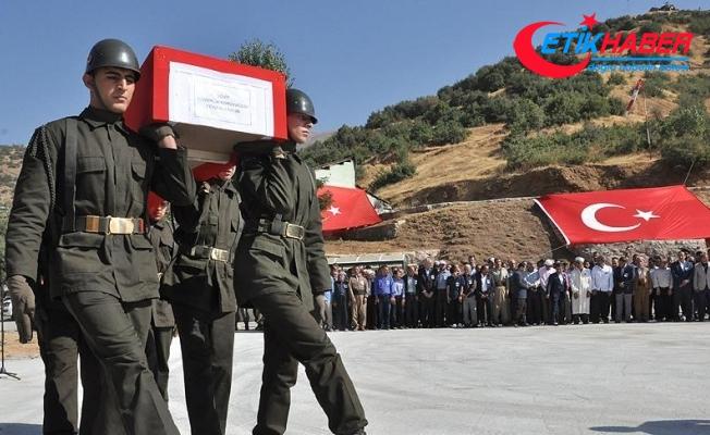Hakkari'de şehit güvenlik korucusu için tören
