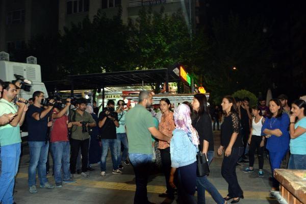 Polis müdüründen HDP'li vekile: Seçilmiş insanlarsınız, ilk önce kanunlara sizler uymak zorundasınız