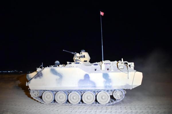 Habur'da askerler gece tatbikatı yaptı