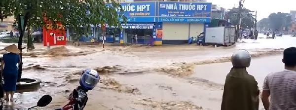 Vietnam'da sel ve toprak kayması: 37 ölü, 40 kayıp