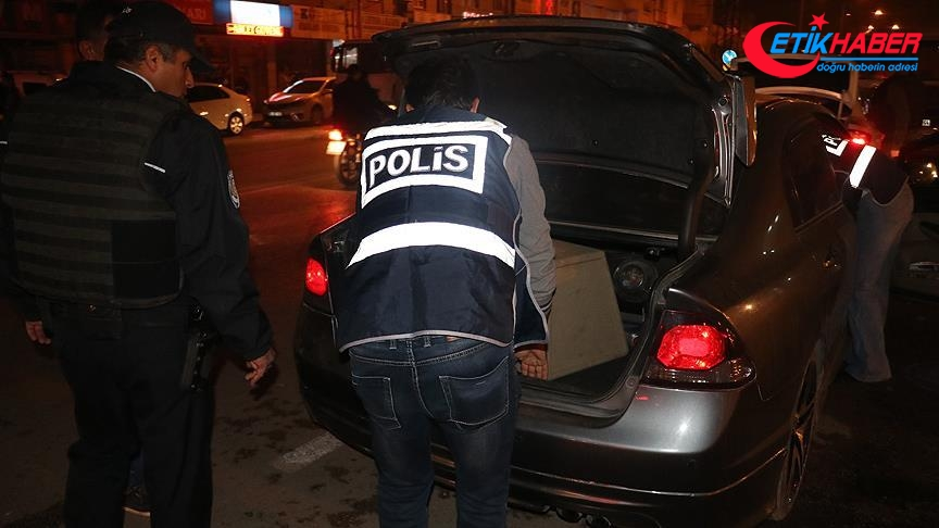 Adana'da bin 200 polisin katılımıyla huzur operasyonu