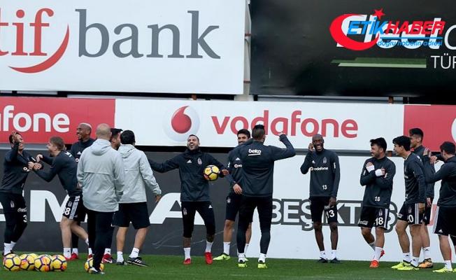 Beşiktaş, Akhisarspor maçı hazırlıklarını iki eksikle sürdürdü