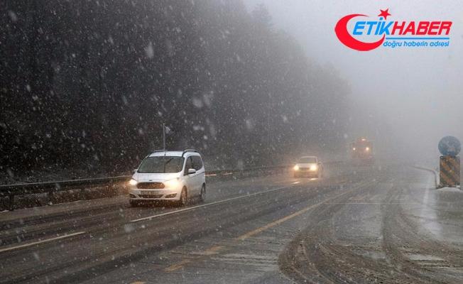 Bolu Dağı'nda yoğun kar yağışı başladı