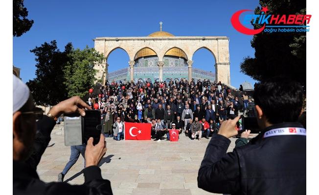 Dünya ABD'ye Karşı Ayakta! Türkler, Kudüs'ün Ortasında Poz Verdi