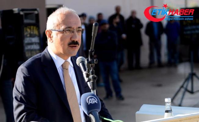 Elvan: İnsanlık adına ödül verilmesi gereken tek ülke Türkiye'dir
