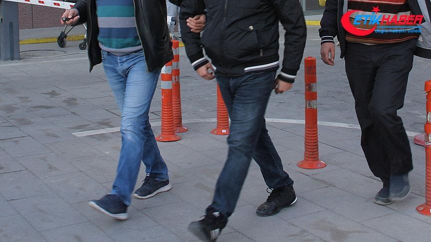 İzmir'de FETÖ operasyonu: 16 gözaltı