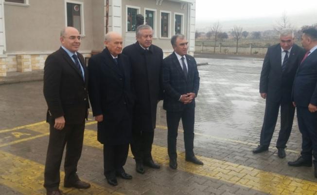 MHP Lideri Bahçeli Aksaray'da Ülkü Ocakları tarafından yaptırılan ilkokula ziyarette bulundu