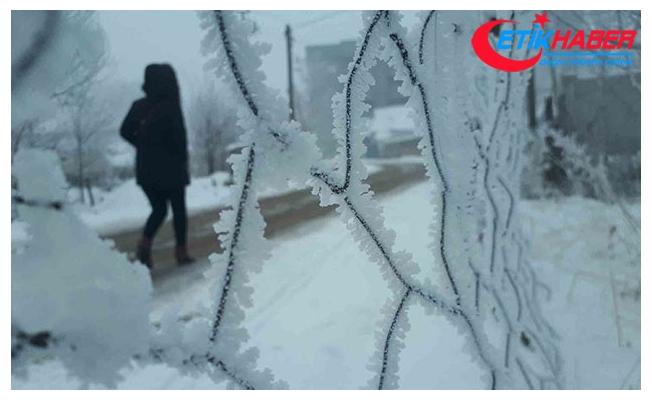 Yüksekova'da sıcaklık -17'ye düştü