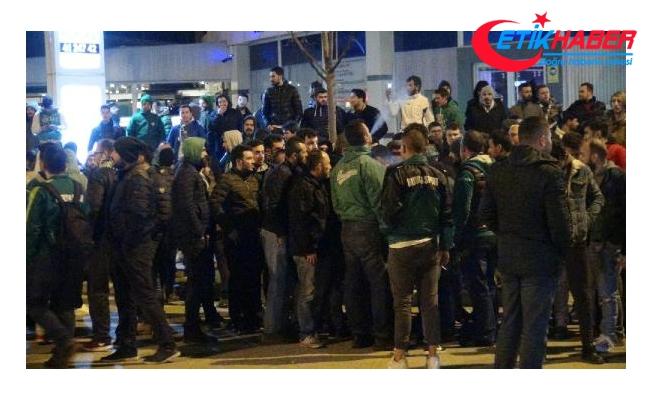 Bursaspor'a protestolu karşılama