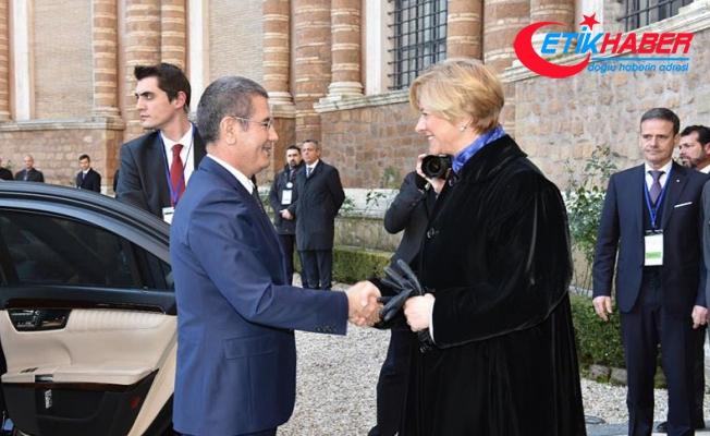 Milli Savunma Bakanı Canikli, DMUK Savunma Bakanları toplantısına katıldı