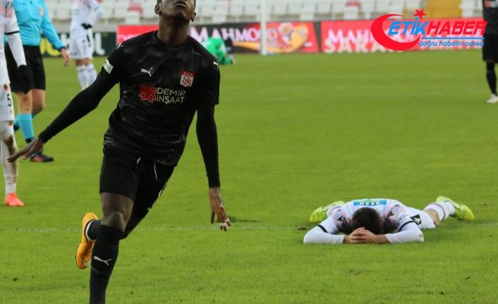 Sivasspor, sahasında 158 gün sonra kazandı