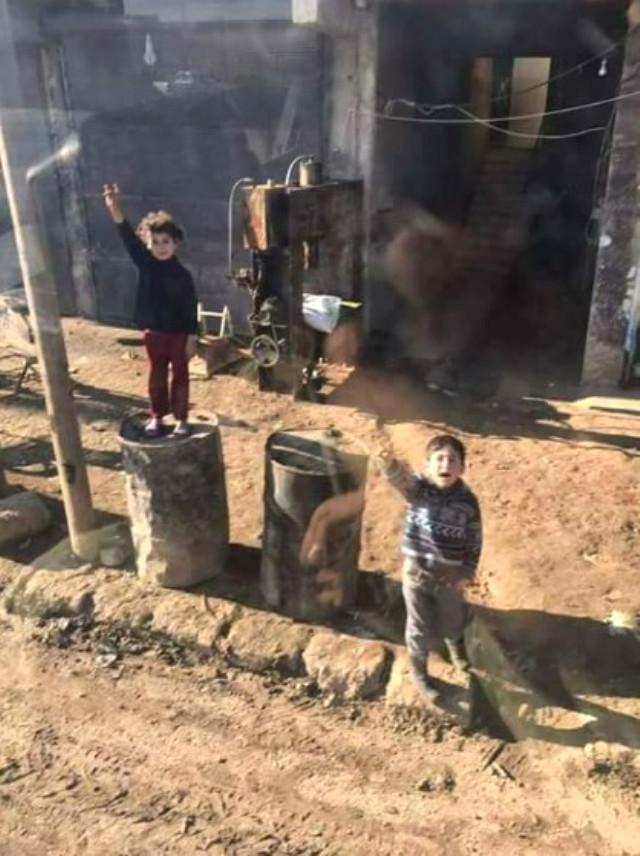 El Bab'ın Masum Çocukları Türk Askerini Bozkurt İşaretiyle Karşıladılar