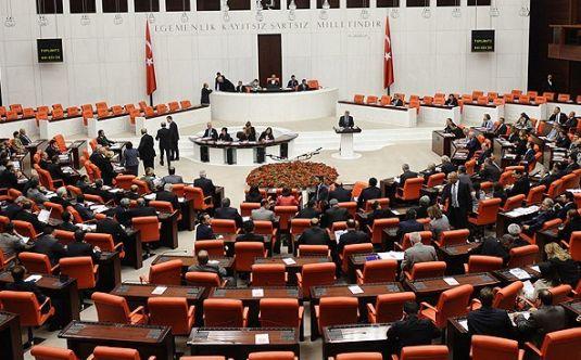 Anayasa değişikliği teklifinde dördüncü madde 343 oyla kabul edildi