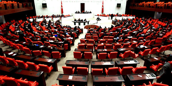 Anayasa değişikliği için Meclis'ten onay çıktı