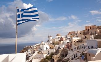 Atina'da cami Yunan hükümetini böldü